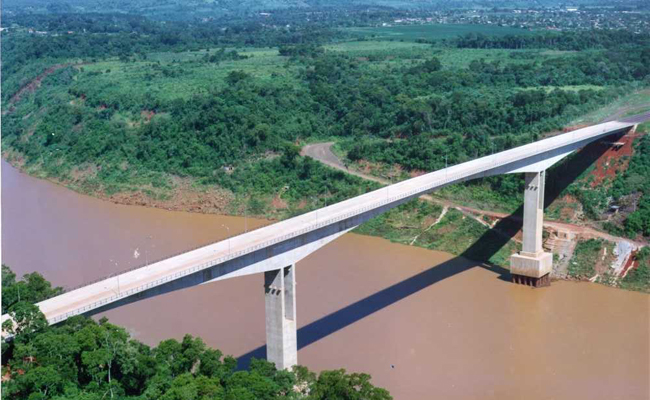 Puente Tancredo Neves